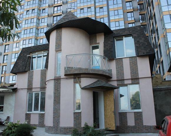 Продам новый 4 к. 2 эт Таунхаус, дом ул. Троицкая, центр.