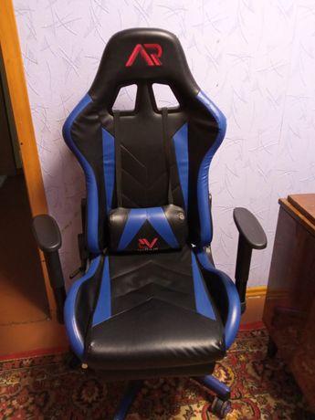 Кресло геймерское сине-черное.