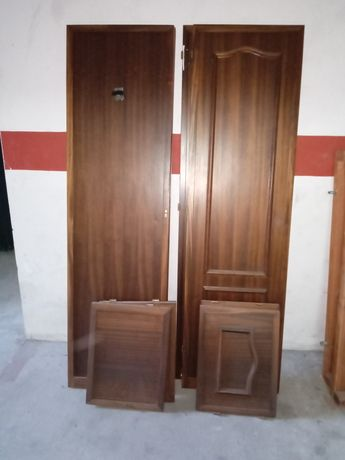 Portas de roupeiro madeira maciça