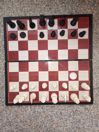 Шахматы с доской магнитные (неполный комплект)