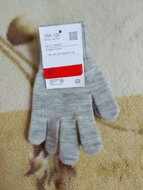 Новые перчатки с биркой фирмы С&А