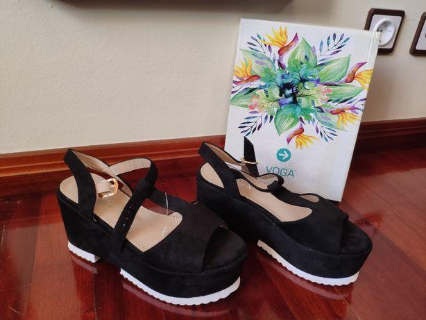 Novas com etiqueta - Sandálias de senhora altas