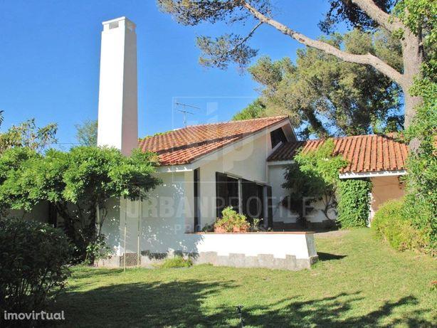 Moradia T4+1 MOBILADA para arrendar em Birre, Cascais