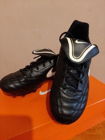 Korki Nike Tiempo.