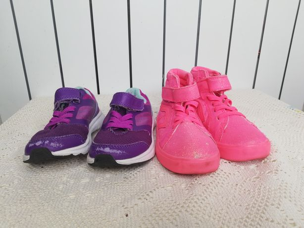 Кроссовки для девочки 2 пары 25 и 26 размер