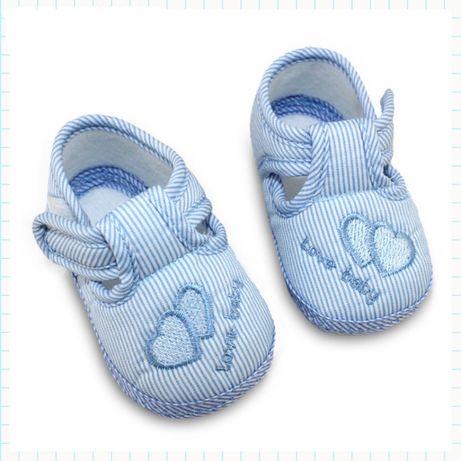 Мягкие тапочки для малышей