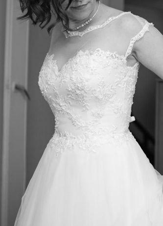 Suknia ślubna, śnieżnobiała. Rozmiar 36/38