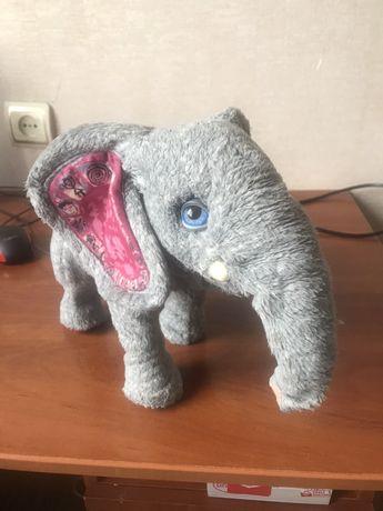 Продам интерактивную игрушку Слон Hasbro