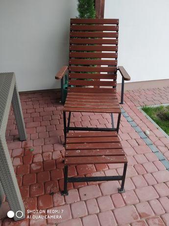 Fotel drewniany rozkładany