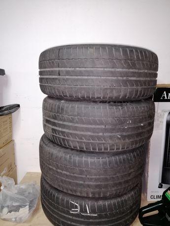 Jantes com pneus Mercedes