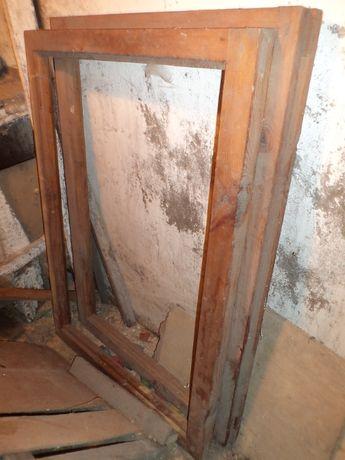 Деревянные входные двери, деревянные балконные рамы и створки оконные
