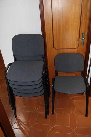 Vende-se cadeiras de reunião