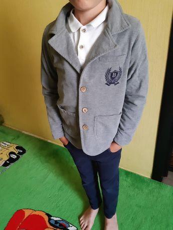 Пиджак , штаны и футболка на мальчика