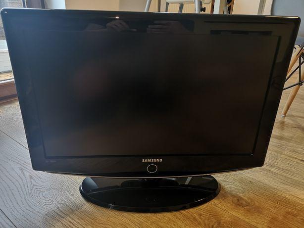 """Telewizor Samsung 26"""" LCD LE26R82B super stan plus gratis!"""