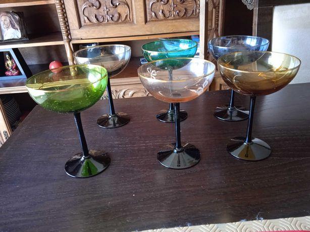 Vendo taças vidro  coloridas