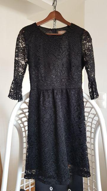 Czarna koronkowa sukienka Carton r 38