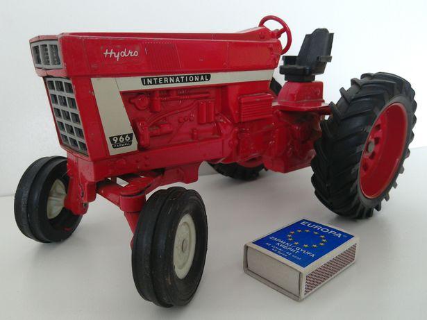 stara zabawka PRL traktor USA ERTL stare zabawki Tonka Ursus Zetor