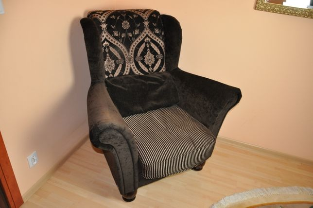 Fotel ciemny oraz jasny elegancki