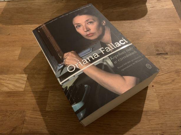 Oriana Fallaci kapelusz cały w czereśniach