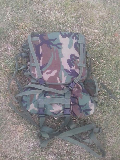Plecak wojskowy ze stelażem