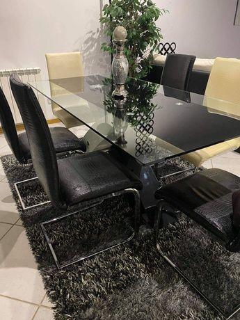 Mesa de jantar..