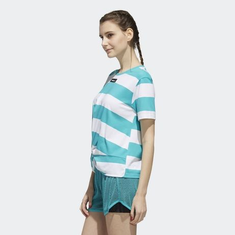 Фирменная, стильная футболочка от Adidas Neo