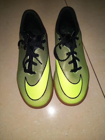Buty sportowe halówki rozmiar 38