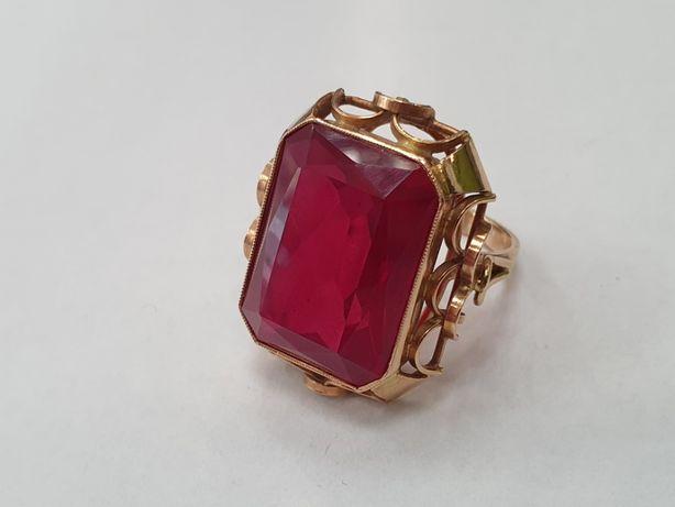 Bardzo duży złoty pierścionek damski/ 585/ 12.8 gr/ czerwone oczko R15