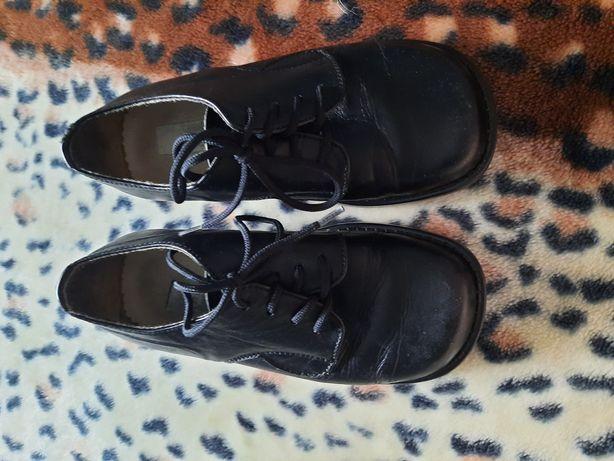 Черные классические туфли на шнурках, размер 28 (18 см)