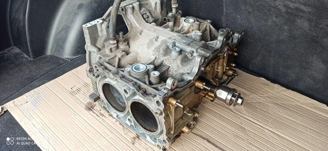 Мотор Субару Subaru FB 25 в разборе .