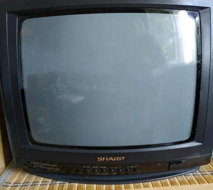 Do sprzedania 14 calowy telewizor marki Sharp + pilot. Odbiór osobisty