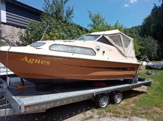 Łódka motorowa łódź kabinowa jacht