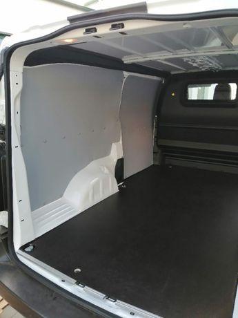 Peugeot Expert XL zabudowa przestrzeni ładunkowej samochodu