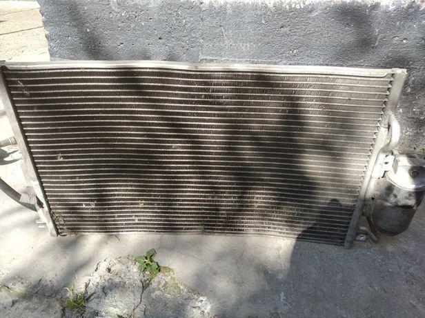Радиатор кондиционера  вектра б 2001 год 2.5