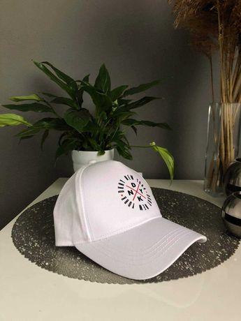 DKNY nowa czapka z daszkiem młodzieżowa