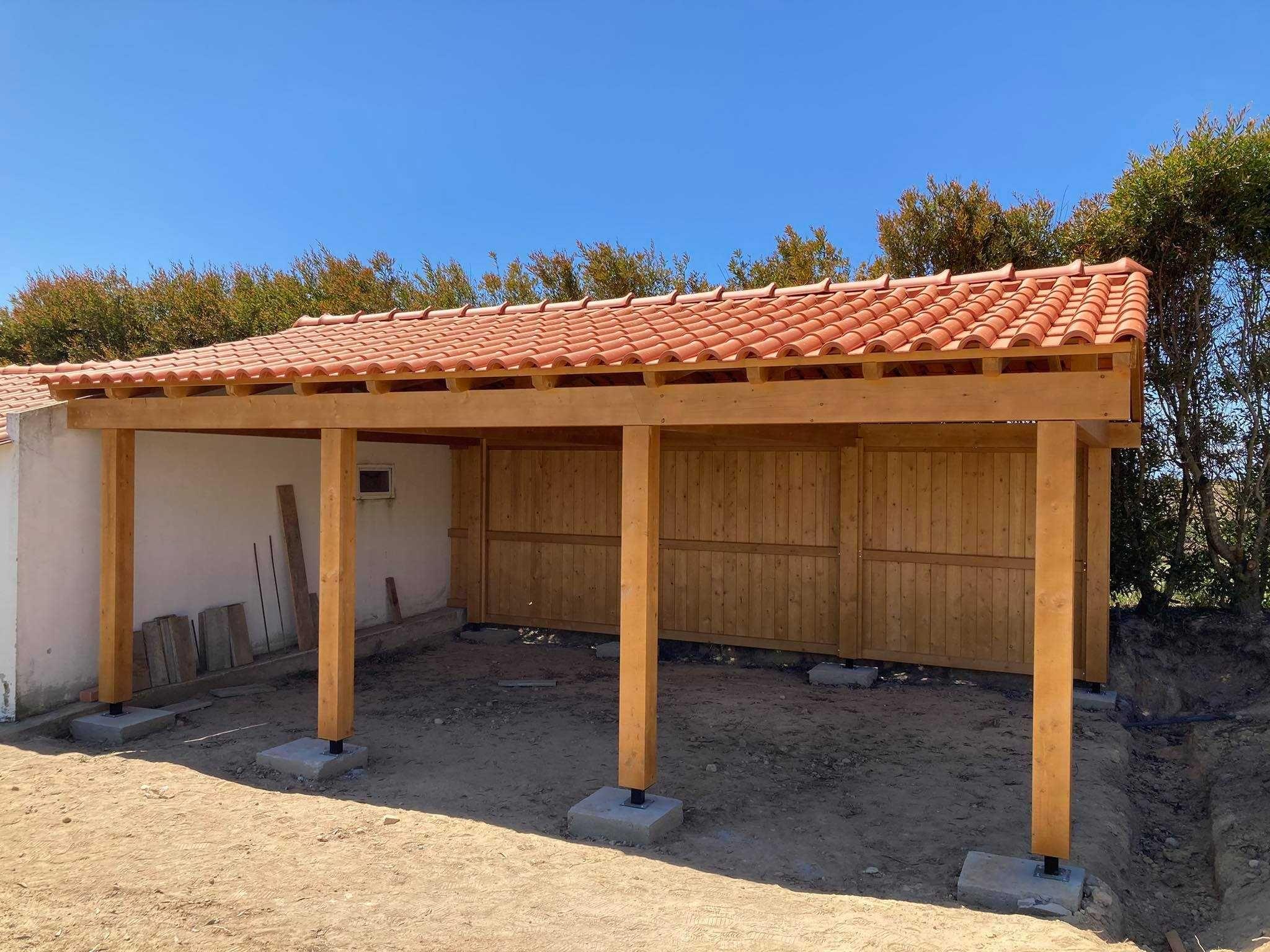 telheiro em madeira / garagem Madeira&Conforto