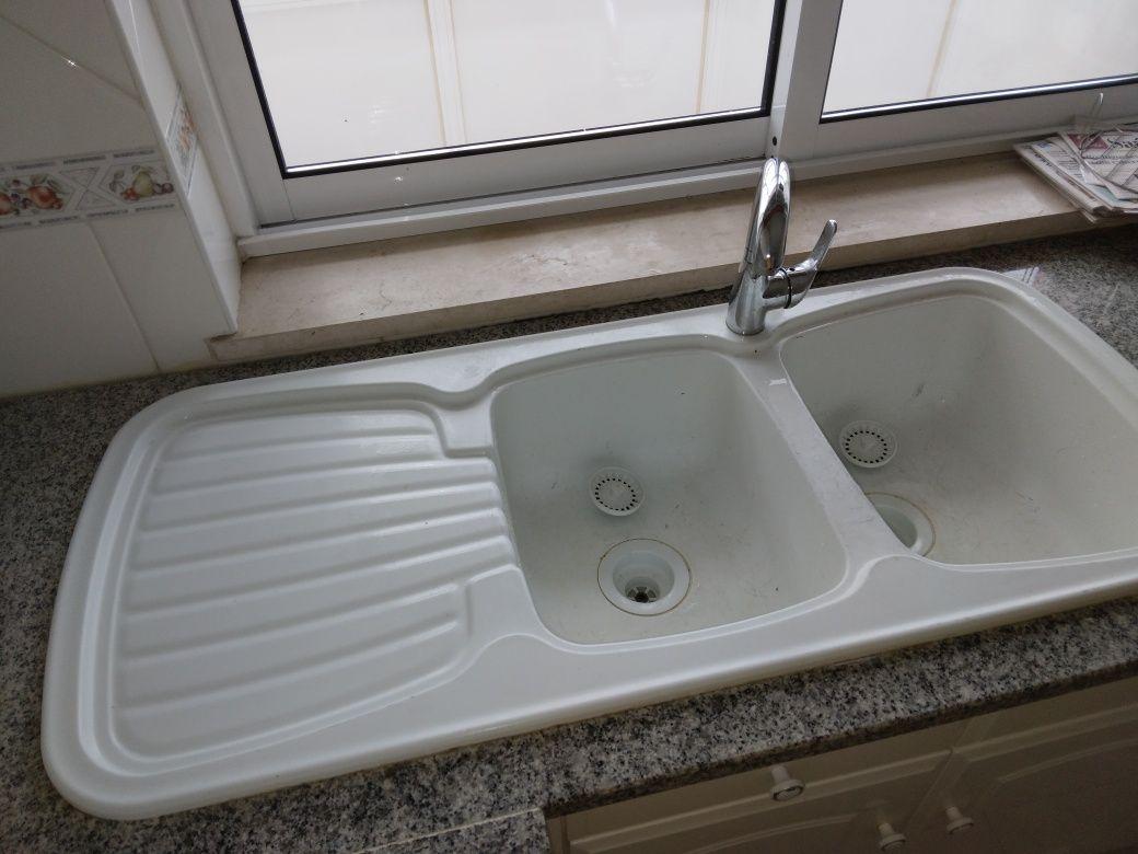 Lava louças branco 2 pias cubas e escorredor. Impecavel