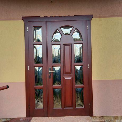 Реставрація відновлення покриття вікон, дверей, меблів