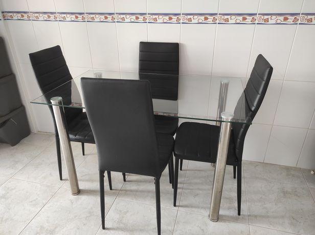 Mesa 120×70cm + 4 cadeiras