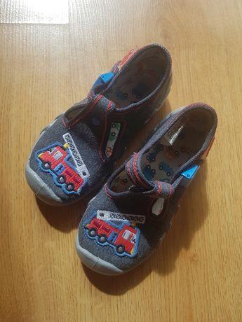Buty dziecięce (kapcie)