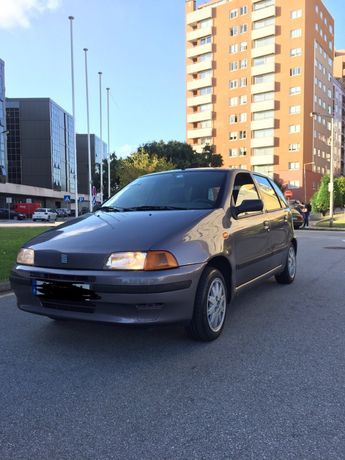 Fiat Punto (Dir.Assistida/Vidro Elétrico/Sensor de estacionamento)