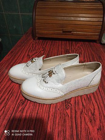 Туфли женские 37р., лоферы женские.