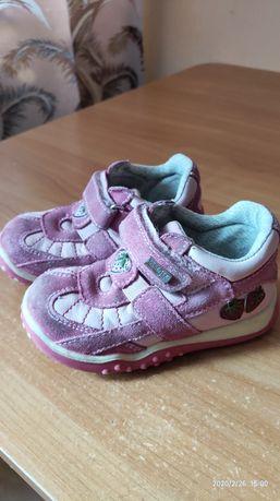 Шкіряні дитячі кросівки /ботінки на дівчинку 23 розмір