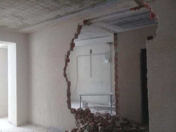 Демонтажні роботи жилих квартир та новобудов