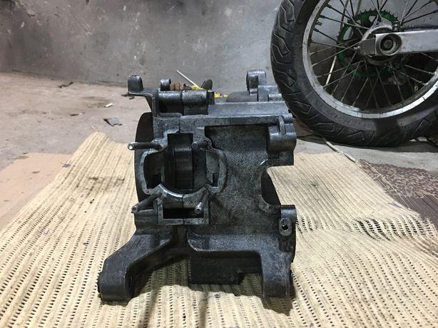 Продам двигатель (картера) piaggio typhon