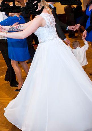 Suknia ślubna z niespotykaną koronką roz.38