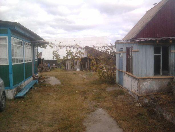 Продається будинок з земельною ділянкою 25 сот.