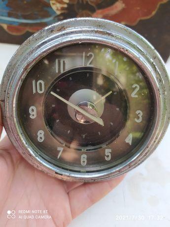 Часы автомобильные ссср