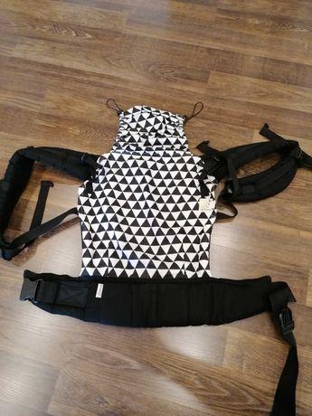 Nosidło ergonomiczne kaptur almelle  biało czarne