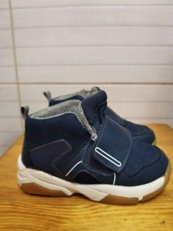Продам ботинки zara 23